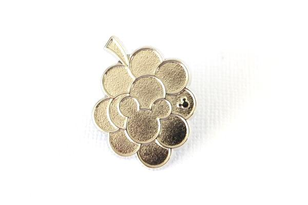 Silver Chaser GRAPES Fruit Icon - 2017 Hidden Mickey