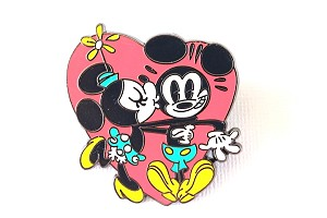 Minnie Kissing Mickey Large Heart